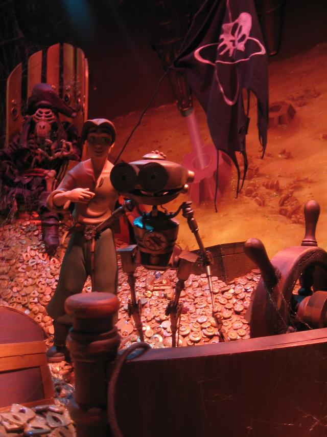 Disneyland Park Summer 2003: Treasure Planet Display